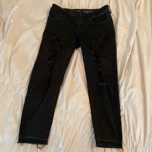 American Eagle Short Ripped Jeans